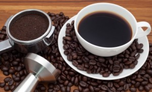 Kávé és kávétömörítő, mint barista kellék