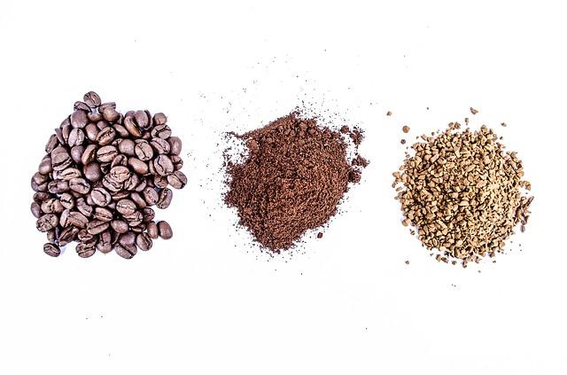 Szemes kávé és darált kávé