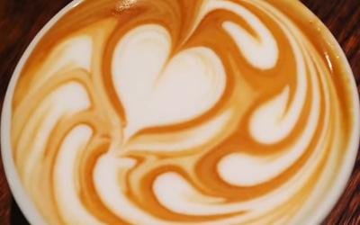 Latte art szív