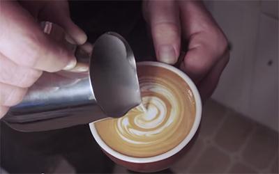 Latte art videó