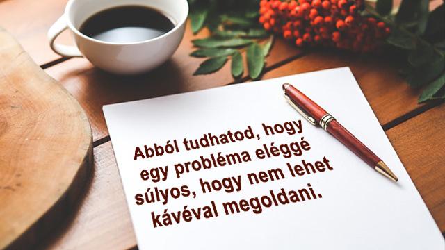 Kávé idézetek papíron, tollal