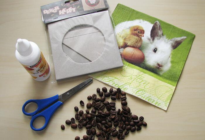 Alapanyagok húsvéti képkeret díszítéséhez
