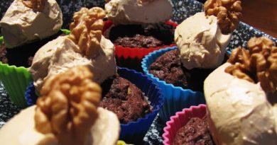 Kávéhabos csokis-diós muffin sütése