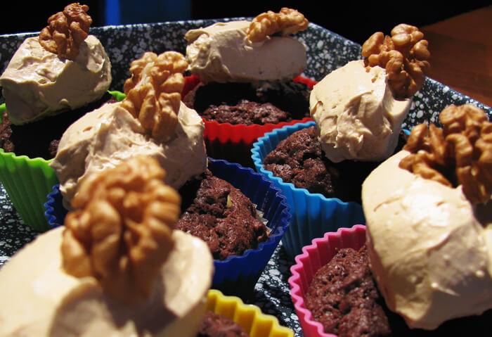 Kávéhabos csokis-diós muffin