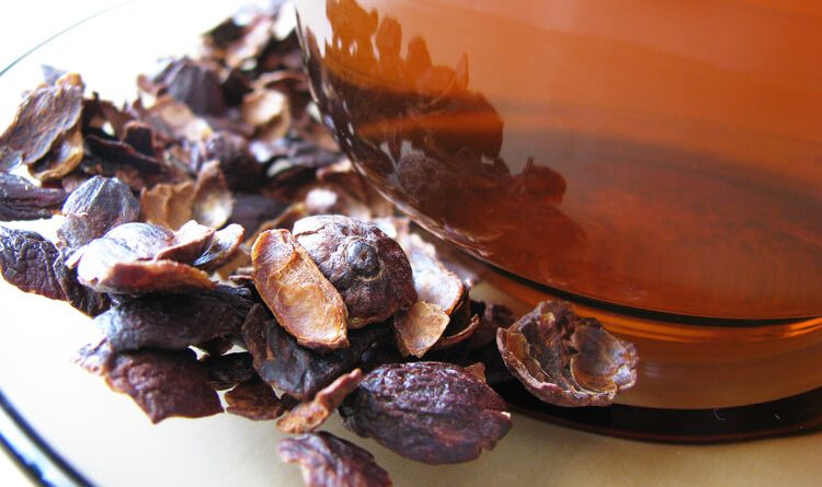 Kávégyümölcs szárított héja és az elkészült tea