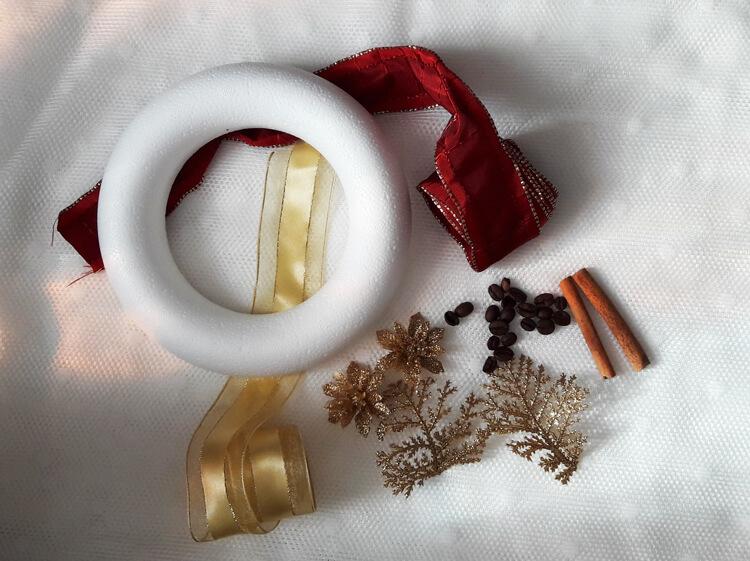 Karácsonyi ajtódísz alapanyagok