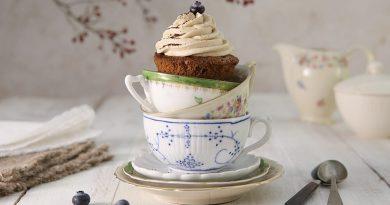 Áfonyás cupcake kávéhabbal